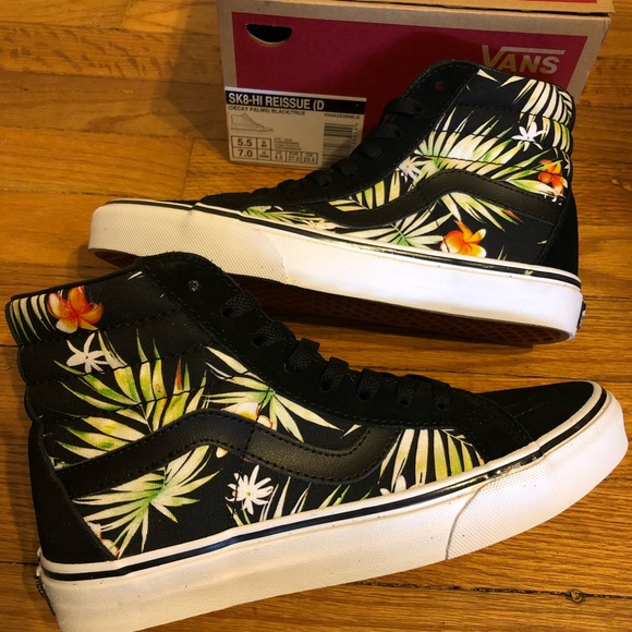 f24a3ca783 New in Box Vans Skate Hi Top Decay Palm Leaf Suede